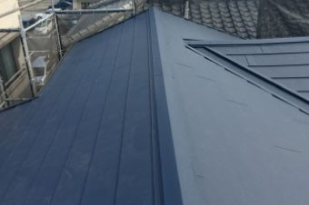長寿命のガルバリウム屋根には寿命の長い防水紙を使いましょう