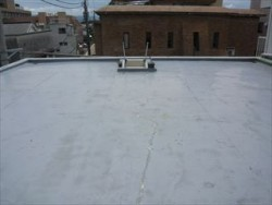 屋上の下地ひび割れ