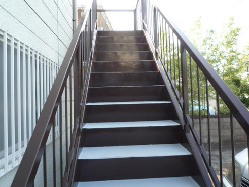 沼津アパート階段錆止め塗装
