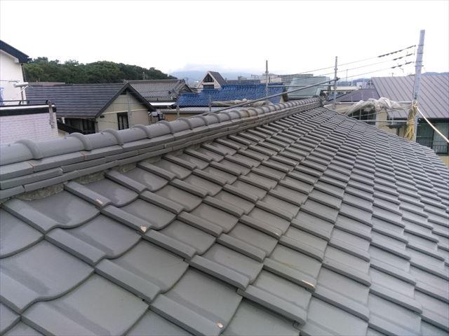 三島市の住宅の軒天井と霧よけと瓦をチェックしました。