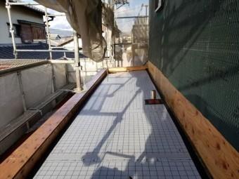 沼津市小諏訪 ベランダ防水塗装の為の下地