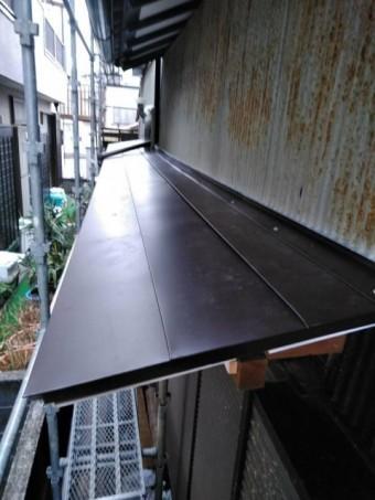 沼津市 トタン外壁に板金のひさし