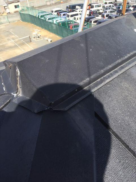 沼津市の住宅屋根の棟ビス緩み