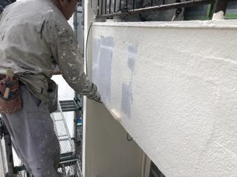 三島市アパート塗装施工中