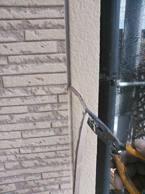 長泉町外壁のコーキング剥がし