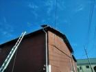 台風でトタン屋根剥がれ
