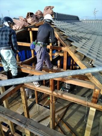 沼津市 瓦屋根の骨組み改修