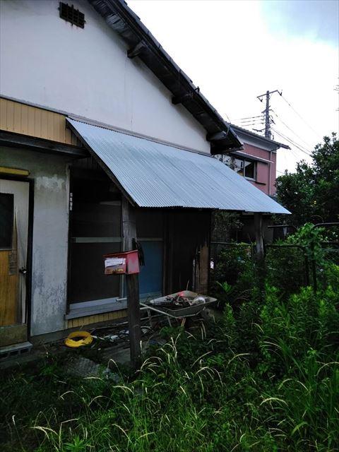 長泉町住宅 波トタン屋根
