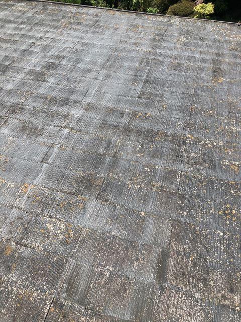 沼津市下香貫の屋根 傷みが激しい