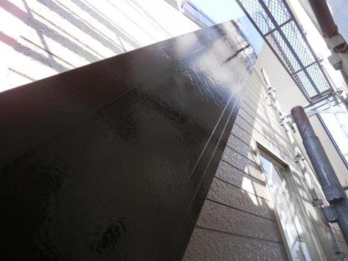 清水町屋根破風板塗装後