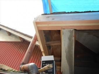 富士市玄関屋根修理