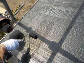 三島市アパート屋根中塗り