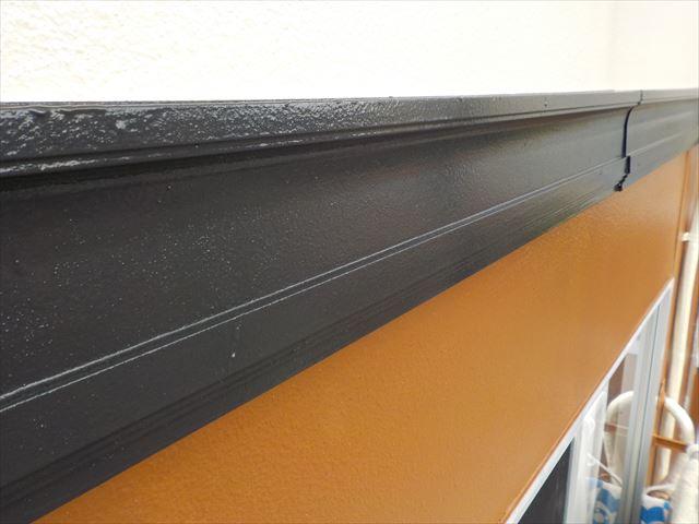 三島市アパート帯部分塗装仕上げ