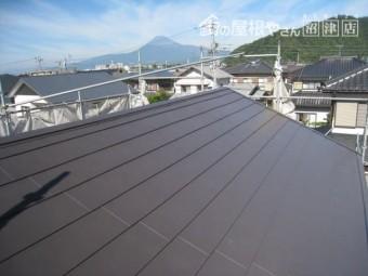 耐震を考えて軽量屋根のガルバリウム鋼板