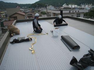 防水シート貼2