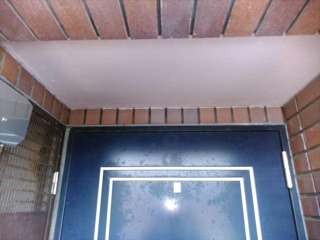 沼津市 玄関上軒天井汚れ