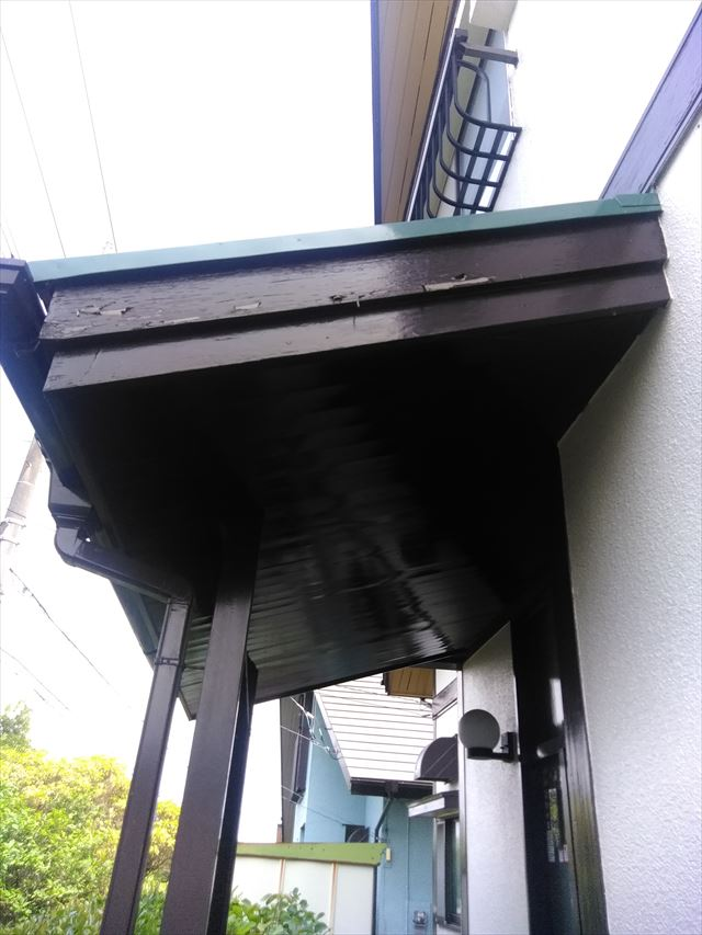 玄関上破風板