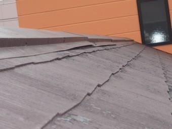 賃貸アパート屋根棟板金剥がれ