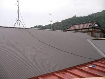 波板鋼板屋根