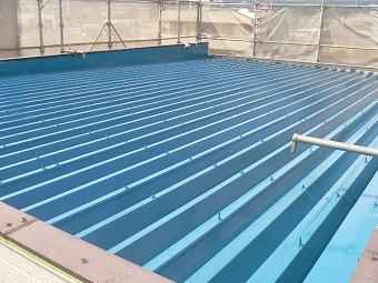 折板屋根塗装後