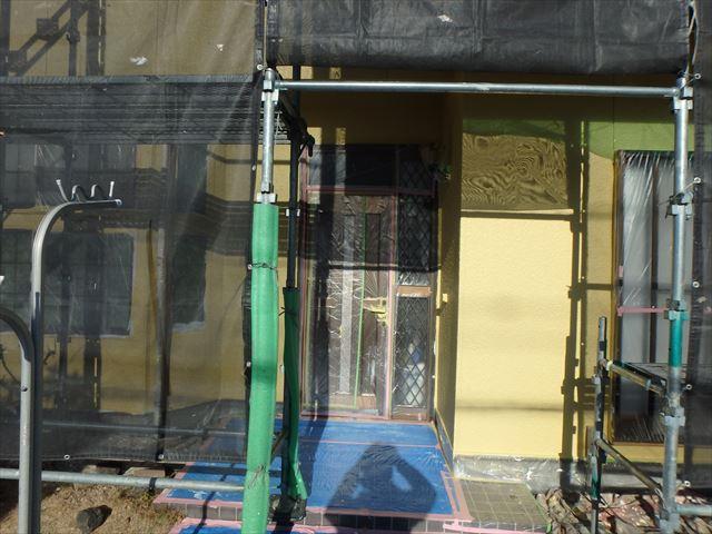 三島市玄関周り塗装の為足場