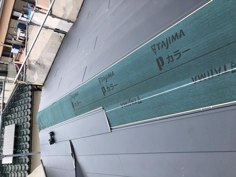 沼津市ガルバリウム鋼板棟取付け