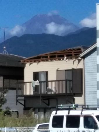 沼津市 台風による屋根の剥がれの被害