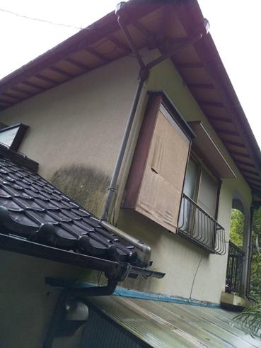 清水町ガルバリウム立平葺きカバー工法 雨水排水不良による雨漏り解決
