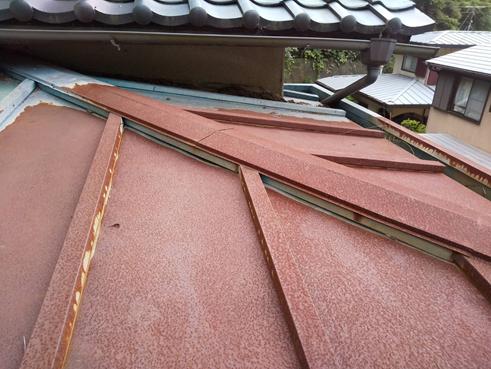 清水町雨漏り屋根錆び