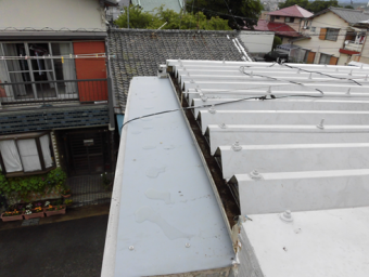 三島市雨漏り錆び穴補修