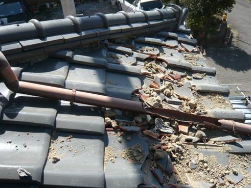 富士市瓦地震被害