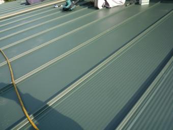 沼津ガルバリウム鋼板増築屋根