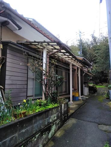 沼津市でテラス屋根が破損のためポリカ波板で全体貼替しました!